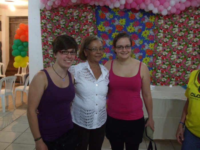 Jojo, Lisa und ihre Gastmutter.
