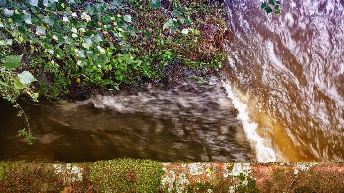 Die Mündung des Theißbachs