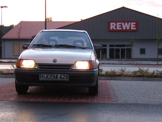Kadettchen auf dem Rewe-Parkplatz